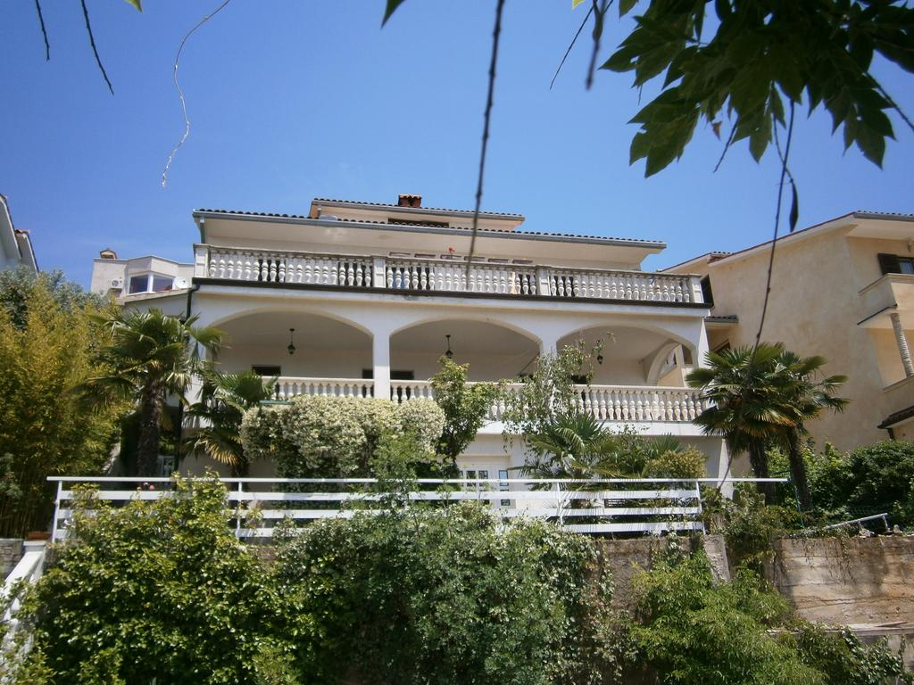 *** Apartments Elda - Rabac