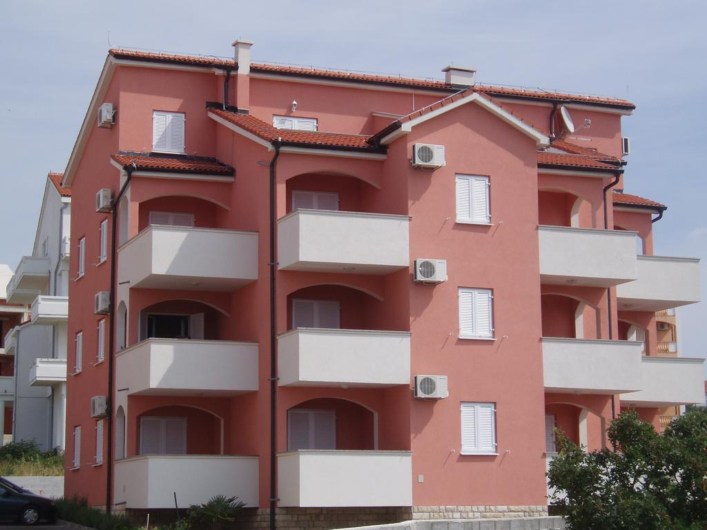 Apartments Paradiso - Novalja